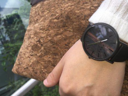 【再入荷】文字盤に本木目を使用した腕時計