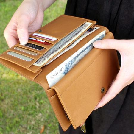 【再入荷】収納豊富なコルクの長財布