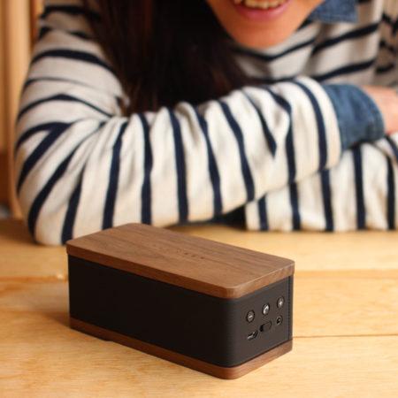 【新生活ギフト】木製のモバイルスピーカー