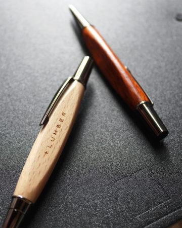 【入荷案内】銘木の三角ボールペン